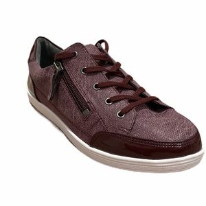 Soft Style Maroon Shoes